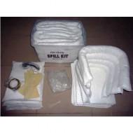 Kit di intervento con assorbenti per idrocarburi