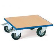 Piattaforma liscia in legno con ruote